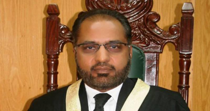 سوشل میڈیا کے مالک پاکستان کے خلاف جنگ شروع کر دیں تو کیا کریں گئے،جسٹس شوکت حسین صدیقی