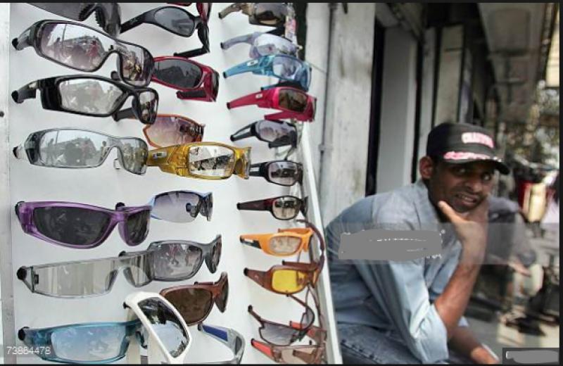 غیرمعیاری چشمے نظر کو متاثر کر سکتے ہیں، ماہرین امراض چشم