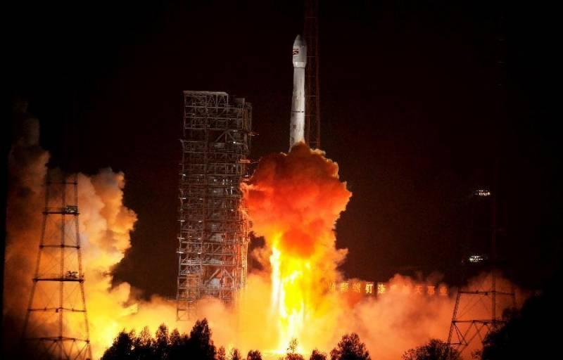 چین 156 چھوٹے مواصلاتی سیارچے خلا میں بھیجے گا