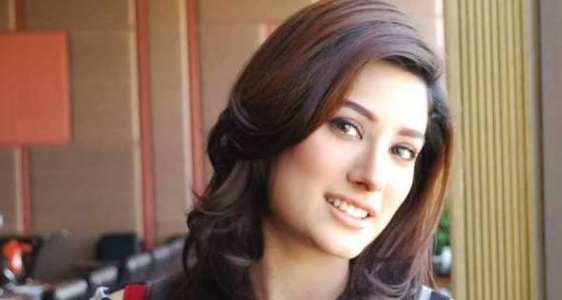 بھارتی فلمساز پاکستانیوں کو بی اور سی کلاس فلموں میں کام دیتے ہیں، مہوش حیات