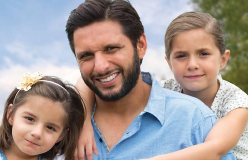 بچے کی پرورش میں باپ کا کردار ، ماہرین نے دلچسپ انکشاف کر دیا