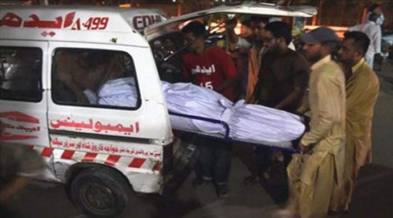 کراچی کے علاقے بلدیہ ٹاؤن گھر پر چٹان گرنے سے 5افراد جاں بحق