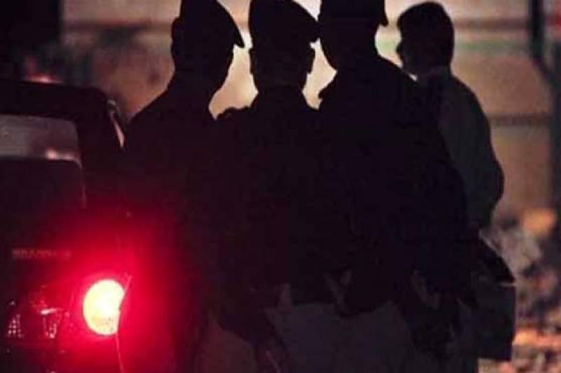 سکھر اور سیالکوٹ میں پولیس مقابلے، 3 ڈاکو ہلاک
