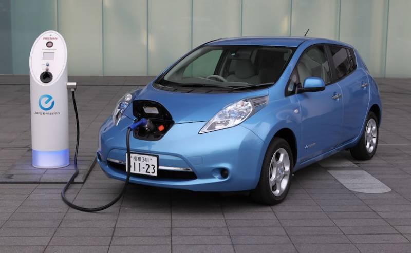 معروف کمپنی بھارت میں الیکٹرک گاڑیاں متعارف کرائے گی