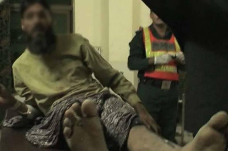 بورے والا:اوباش لڑکوں کا امام مسجد پر بہیمانہ تشدد،ہسپتال پہنچا دیا
