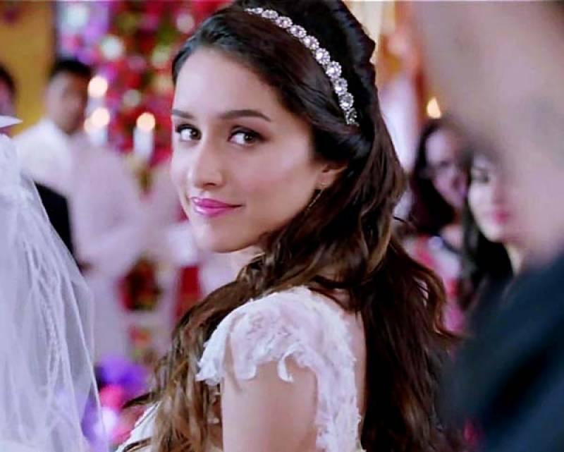 شردھا کپور نے فلم حسینہ میں اپنے 2 کرداروں کی تصاویر انسٹاگرام پر شیئر کردیں