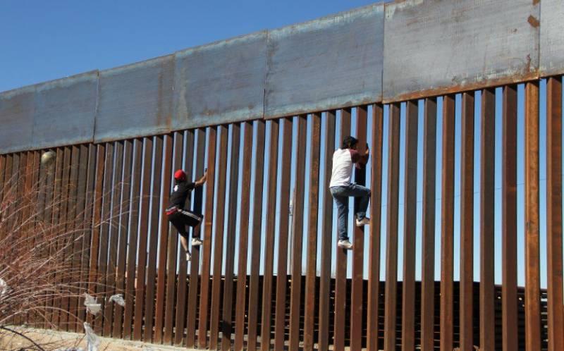ٹرمپ میکسیکو کی سرحد پر دیوار کی تعمیر کے لیے رقم حاصل کرنے میں ناکام