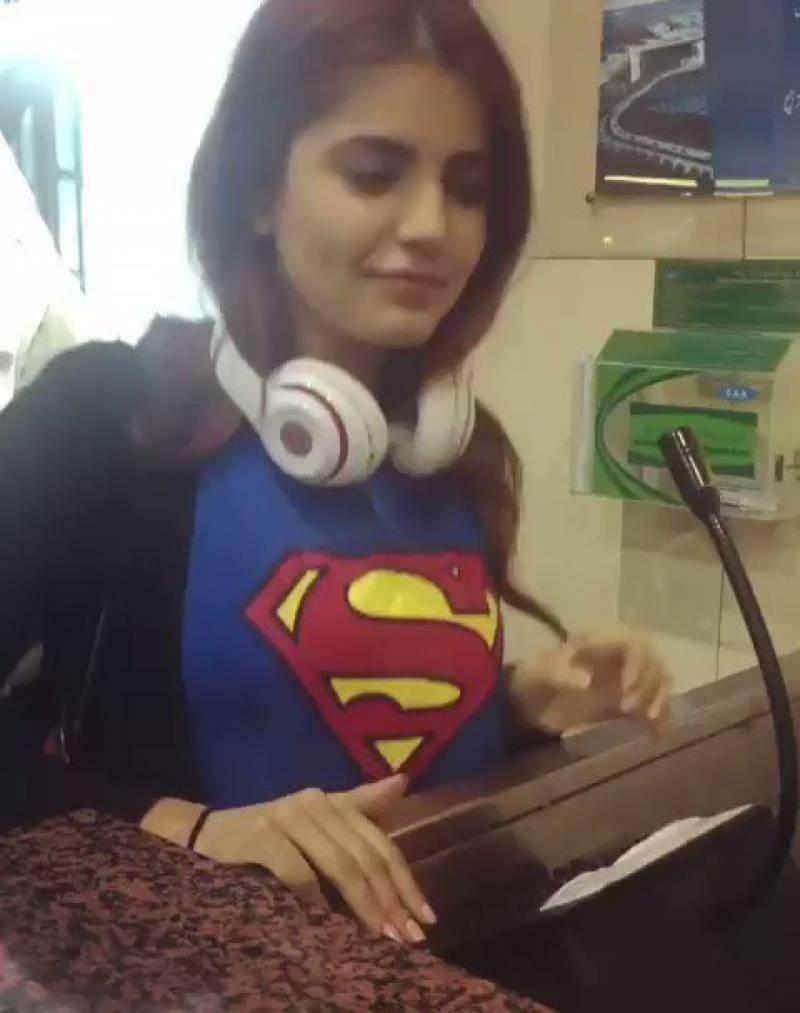 مومنہ مستحسن کی نئی ویڈیو نے تہلکہ مچادیا