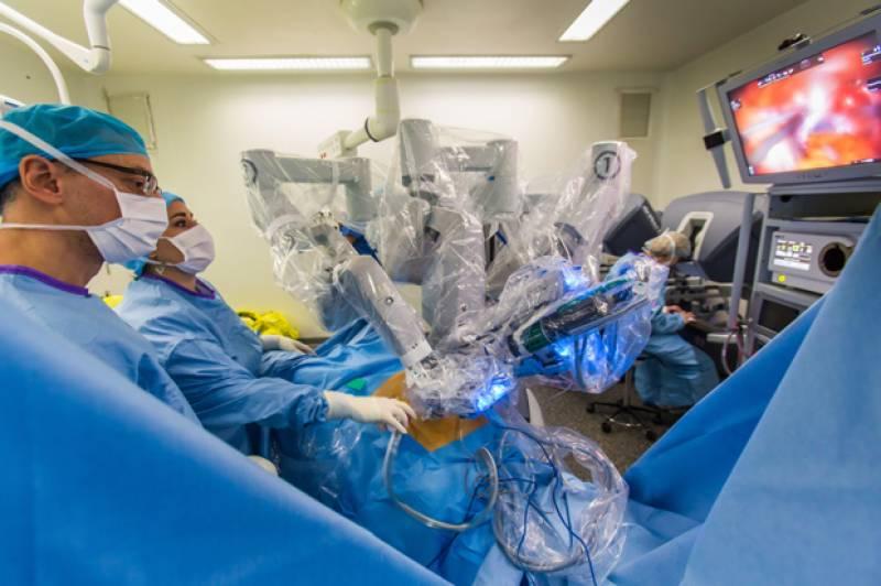 طب کی دینا میں انقلاب ،دماغ کی سرجری کرنے والا ربورٹ تیار