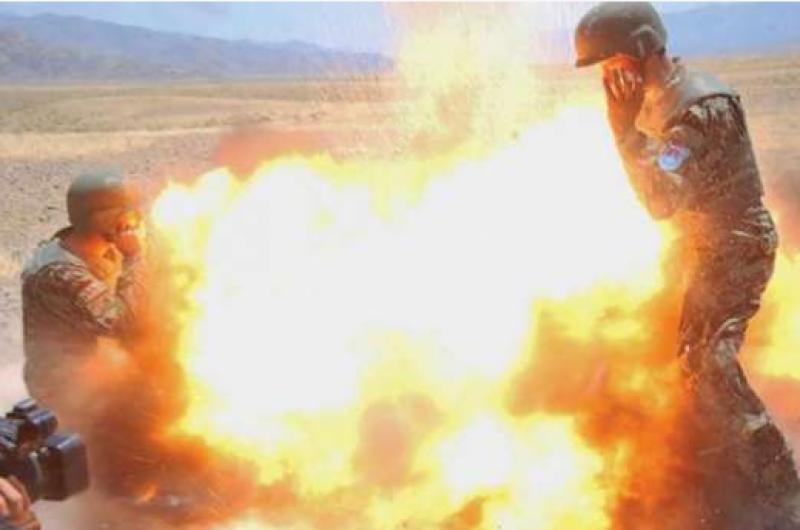 فوٹو گرافر نے بم پھٹنے پر اپنی زندگی کے آخری لمحے کیمرے کی آنکھ میں قید کر لیے