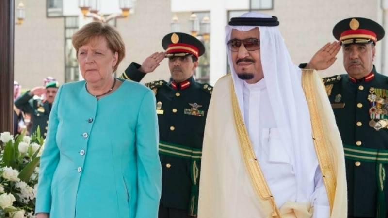 شاہ سلمان سے ملاقات, جرمن چانسلر انجیلا مرکل کا سرڈھانپنے سے انکار