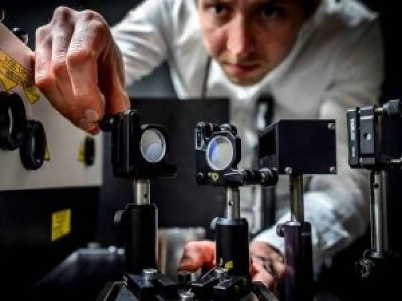 سائنسدانوں نے دنیا کا تیز ترین کیمرہ تیار کر لیا