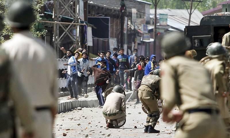 مقبوضہ کشمیر : بھارتی فورسز کا ہندواڑہ میں طلبہ کیخلاف طاقت کا وحشیانہ استعمال