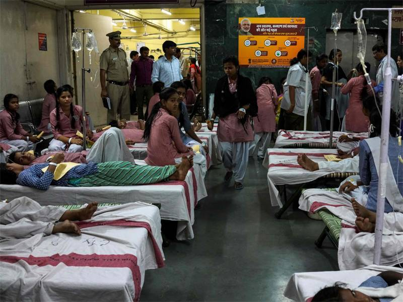 بھارت میں سکول میں گیس پھیلنے سے 200 بچیاں ہسپتال داخل