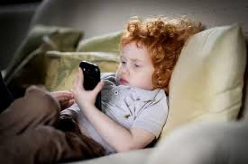 سمارٹ فون کے نئی جنریشن پر خطرناک اثرات