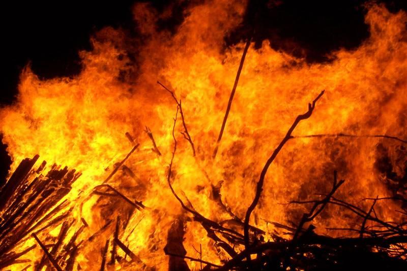 شارجہ : گھر میں آتشزدگی کے باعث دم گھٹنے سے 2 پاکستانی بچےجاں بحق