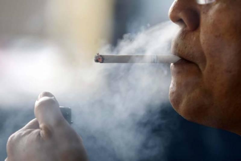 فلپائین کے صدر نے ملک بھر میں سگریٹ نوشی پر سخت پابندی عائد کر دی