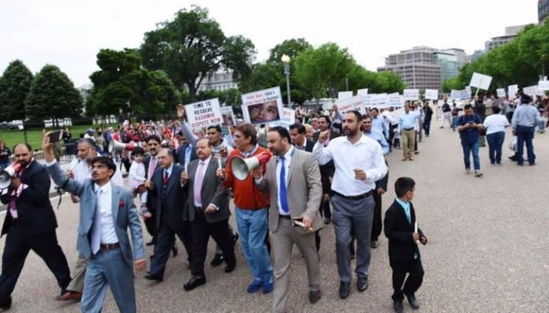 وائٹ ہاﺅس کے باہر کشمیریوں کا احتجاجی مظاہرہ