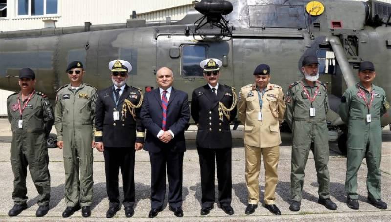 پاکستان کو برطانیہ سے 7 سی کنگ ہیلی کاپٹر مل گئے