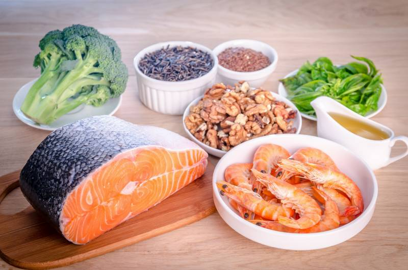 اومیگا تھری پروٹین والی غذائیں دماغ کو مضبوط بنانے میں اہم کردار ادا کرتی ہیں، امریکی ماہرین صحت
