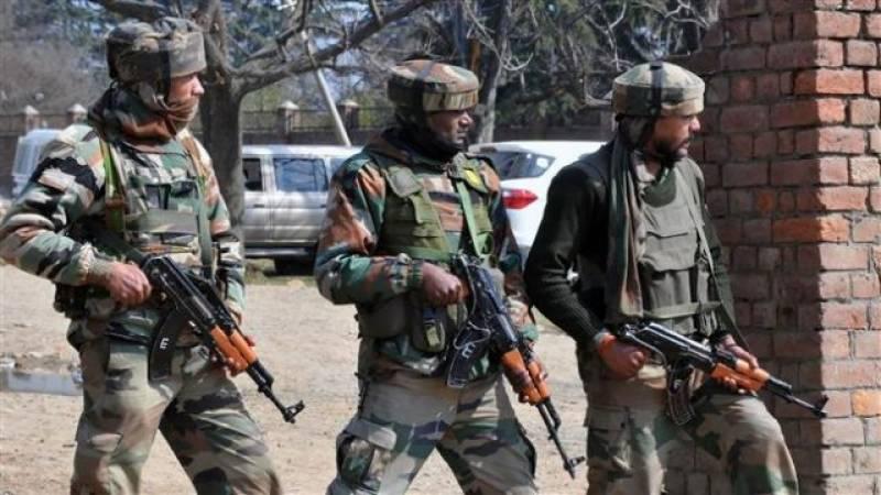 مقبوضہ کشمیر : بھارتی فوجیوں نے مزید 4 نوجوانوں کو شہید کر دیا