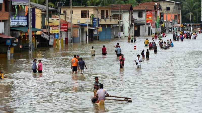 سری لنکا میں موسلادھار بارشوں کے بعد سنگین سیلابی صورت حال