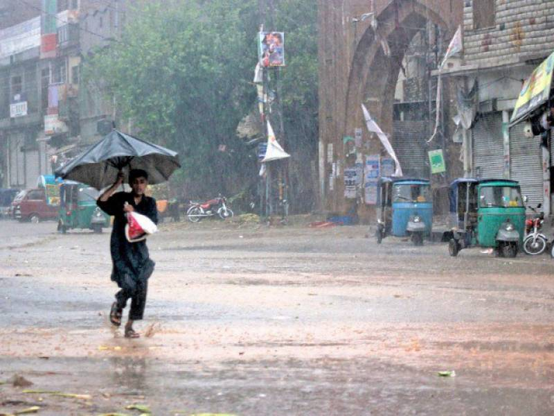 طوفانی بارش اور تیز آندھی سے کئی شہروں میں بجلی کا نظام درہم برہم