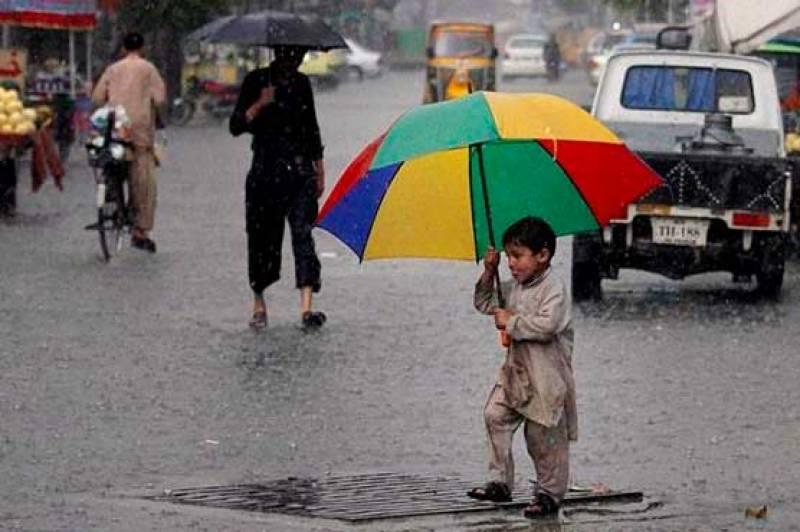 آئندہ 12گھنٹوں کے دوران اسلام آباد، گلگت بلتستان اور کشمیر میں چند مقامات پر تیز ہواؤں کیساتھ بارش کا امکان