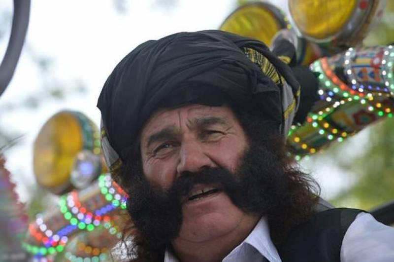 مستان خان نے شیخ رشید کا باڈی گارڈ بننے کا اعلان کر دیا