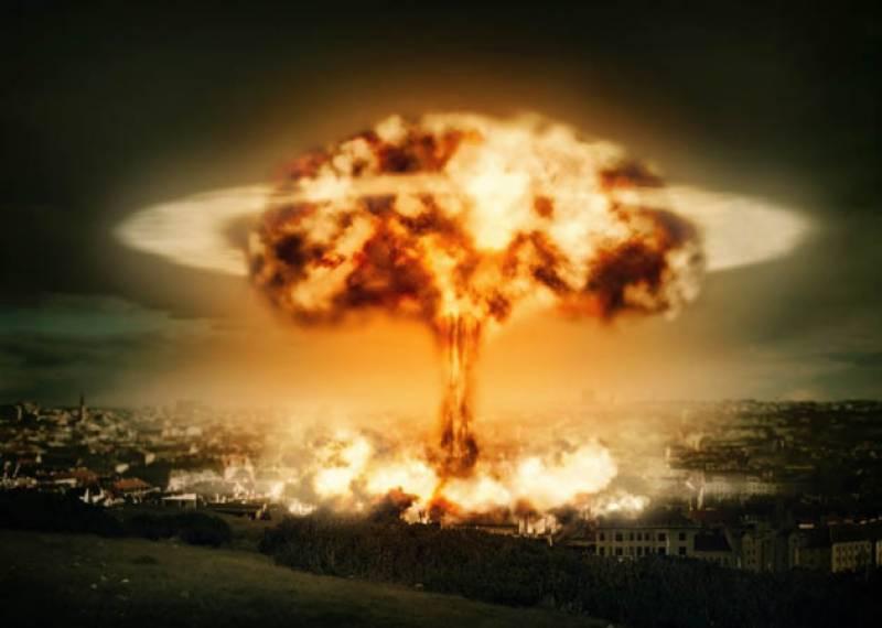 ڈونلڈ ٹرمپ دو سال کے اندر ایران پر ایٹم بم گرادیں گئے،تجزیہ کار