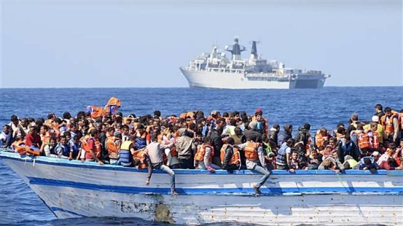 لیبیا کے قریب سمندر میں پھنسے تارکین وطن کو بچا لیا گیا
