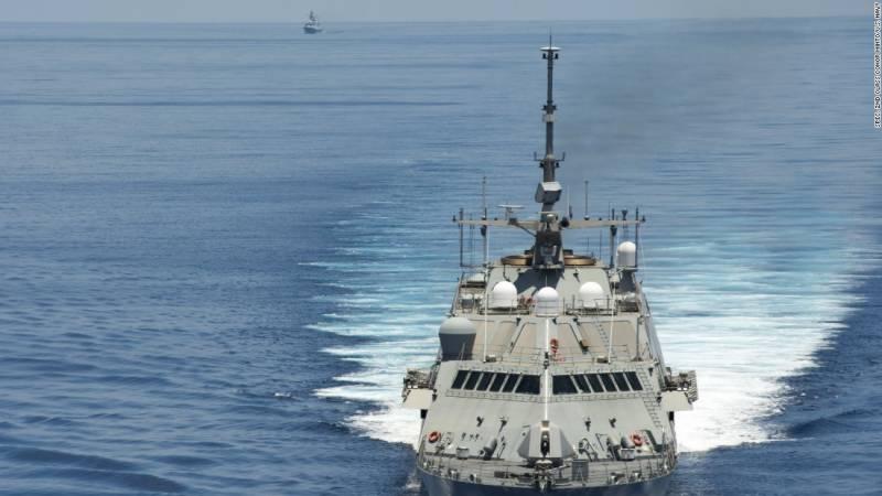 چین نے امریکی جنگی جہاز قبضے میں لے لیا
