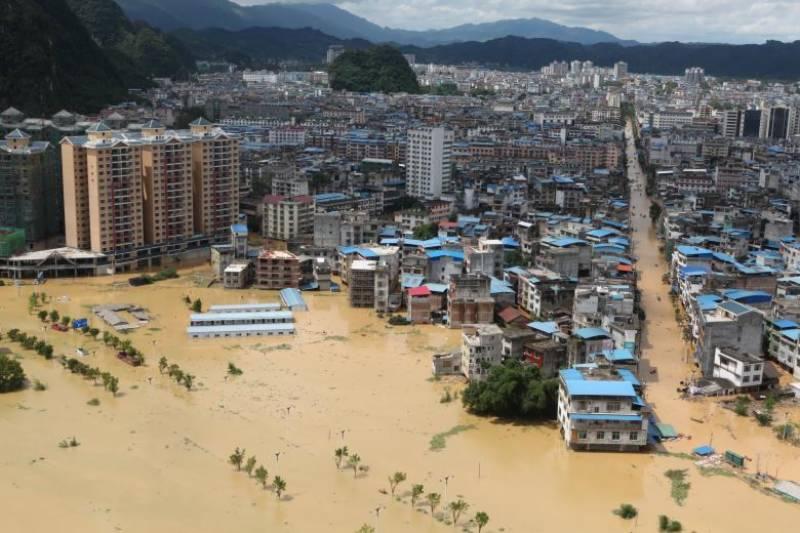 چین میں طوفانی بارشیں، 16افراد ہلاک، 10لاپتہ
