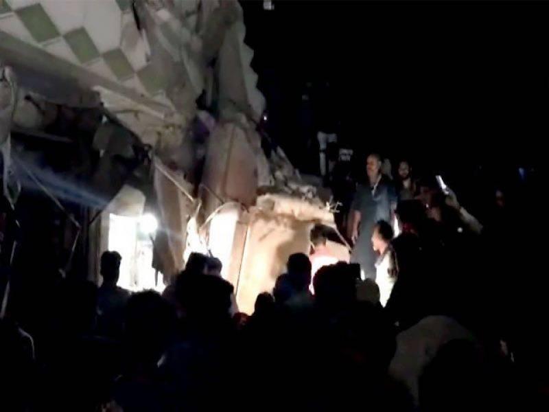 کراچی: لیاقت آباد میں تین منزلہ عمارت گرگئی،2 افراد جاں بحق