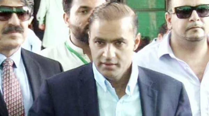 عمران خان جیسے لوگ جمہوریت کا دھڑن تختہ کرنا چاہتے ہیں: عابد شیر علی