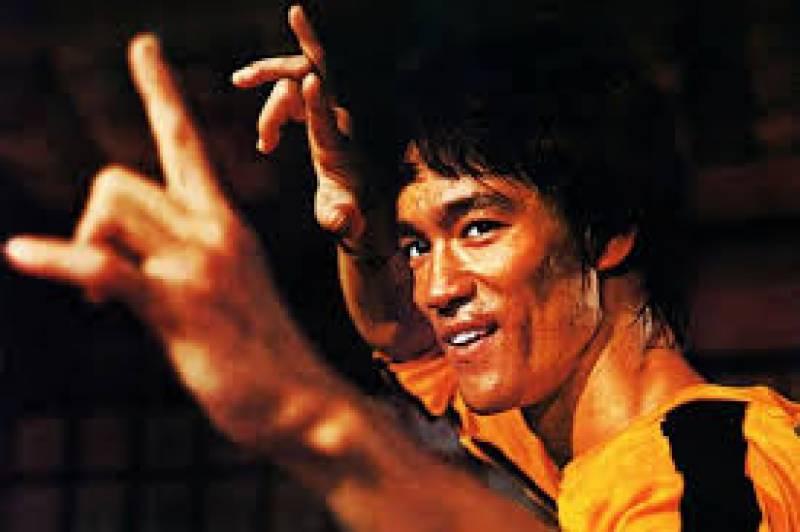 مارشل آرٹ کے بے تاج بادشاہ بروس لی کی برسی آج منائی جائے گی
