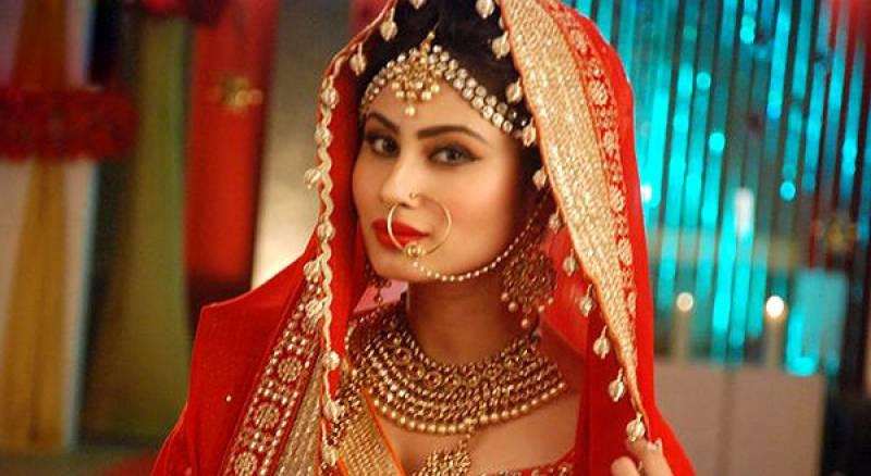 معروف اداکارہ مونی روئے اب بھارتی فلم انڈسٹری میں جلوہ گر ہونگی