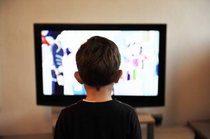 ٹی وی اور ویڈیو گیمز کے شوقین افراد کیلئے ماہرین کی نئی وارننگ