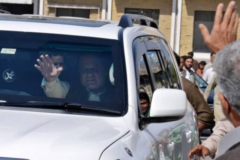سابق وزیراعظم کے ڈرائیور خواجہ سعد رفیق کی ہدایت پر قافلے کی رفتار بڑھ گئی
