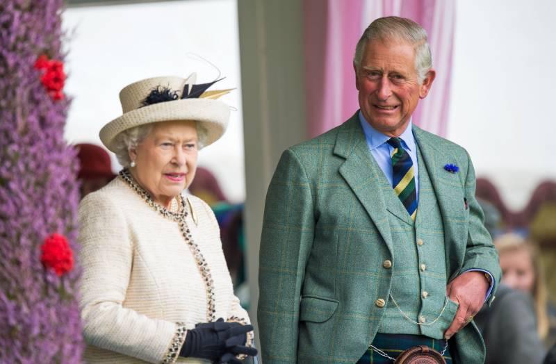 ملکہ الزبتھ کا تخت سے دستبرداری کا فیصلہ،تاج شہزادہ چارلس کےسر پر سجے گا