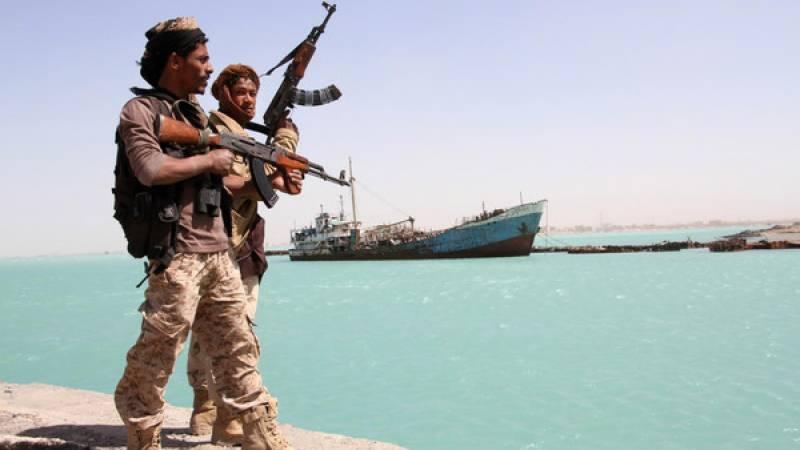 یمن، بارود سے لدی کشتی کا اماراتی جہازپر حملہ ناکام