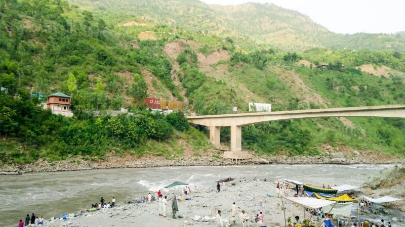کوہالہ: دریائے جہلم میں شرط لگا کرچھلانگ لگانے والا نوجوان ڈوب کر جاں بحق
