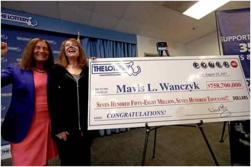 امریکی خاتون نے لاٹری میں 80 ارب روپے جیت لیے