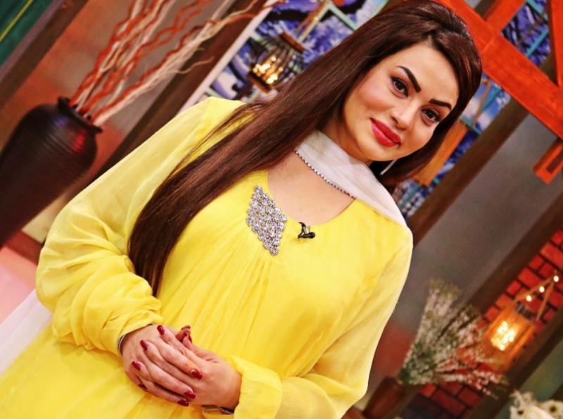 معروف پاکستانی اداکارہ نے پروڈکشن کے میدان میں قدم رکھنے کا فیصلہ کر لیا