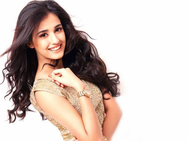 معروف بھارتی اداکارہ نے فلم کے لیے بالوں کی قربانی دینے پر تیار