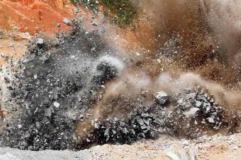 مہمند ایجنسی میں بارودی سرنگ کے دھماکے میں باپ بیٹے سمیت 3شہید