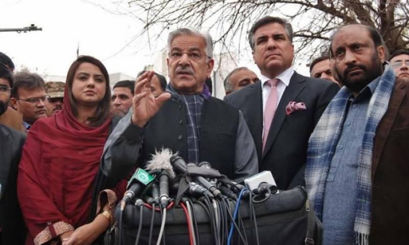 پاکستانی قوم کو قربانی کا بکرا نہیں بننے دیں گے : خواجہ آصف