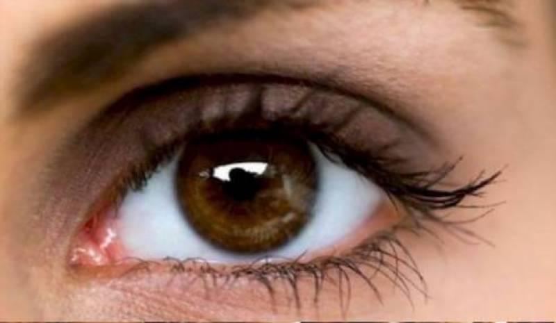 آنکھ کے کونے میں یہ لال نشان کیوں ہوتاہے ؟