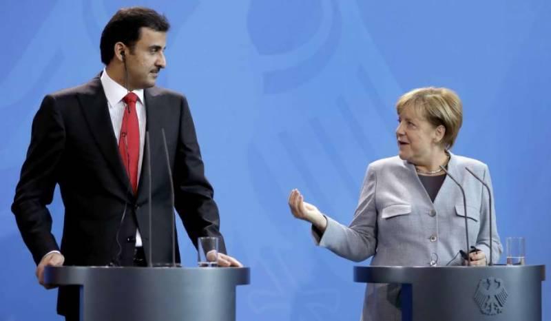 خلیج عرب ممالک کے ساتھ تنازعے کے خاتمے کے لئے مذاکراتی میز پر آنے کے لئے تیار ہیں،امیر قطر
