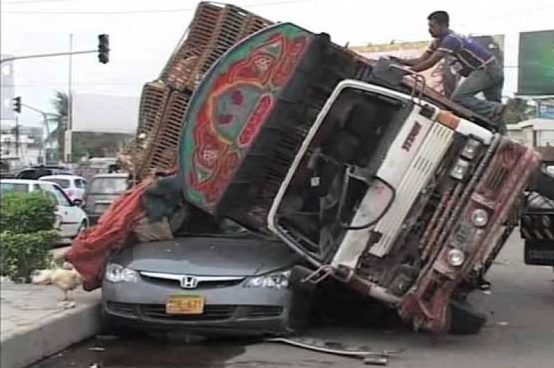 بیدیاں روڈ پر ٹرک نے 4بچوں کو کچل ڈالا ٗ 3بچے جاں بحق